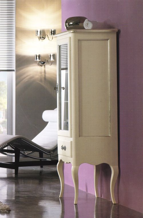 Mobile bagno in legno laccato bianco con specchiera e - Vetrinette da bagno ...