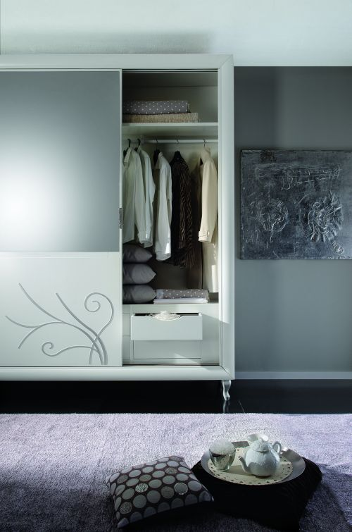 Camere da letto in stile italian style casale di for Complementi camera da letto arredamento
